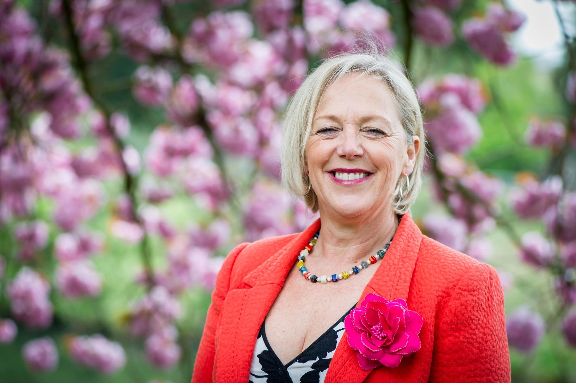Julie Lord